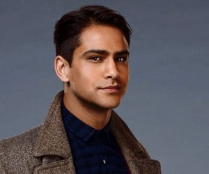 luke pasqualino, snatch, and kaz brekker image