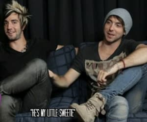 alex gaskarth, all time low, and Sweetie image