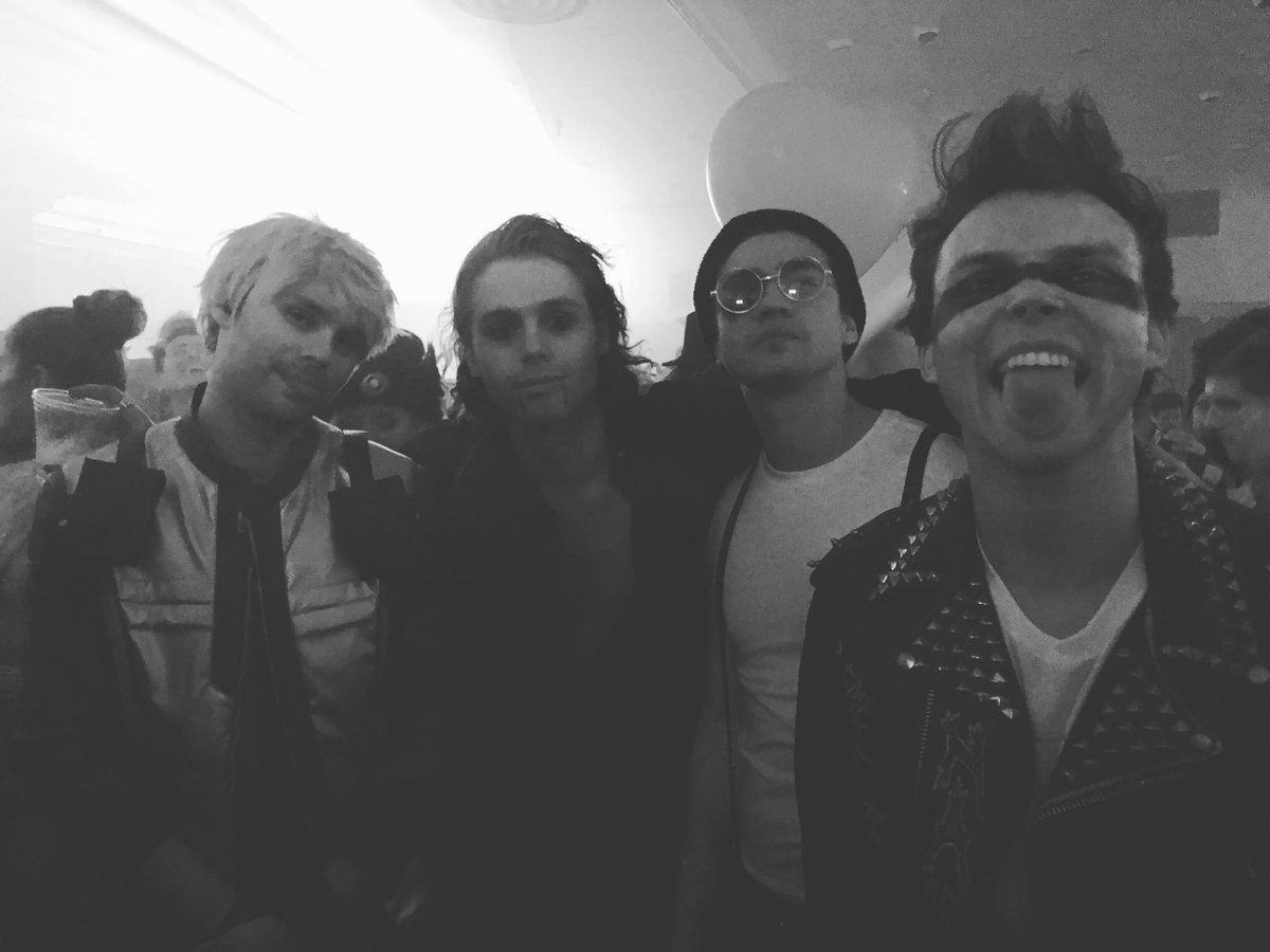 article, 5 seconds of summer, and 5sos image