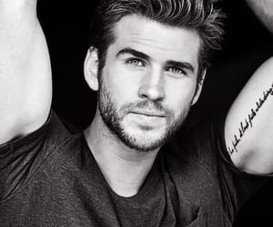 Hot, liamhemsworth, and lové image