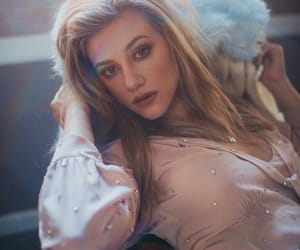 riverdale, lili reinhart, and betty cooper image