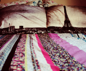 paris and bed image