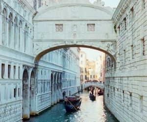 italia and venecia image