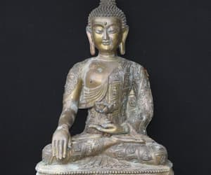 bronze statue image