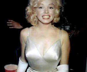 Marilyn Monroe, smile, and beautiful image
