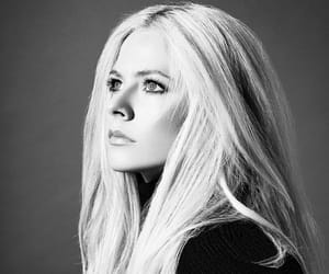 Avril Lavigne, idol, and makeup image