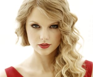 Taylor Swift, speaknow, and swiftie image