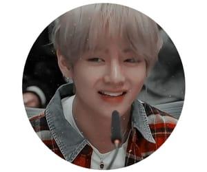 aesthetic, circle, and taehyung image