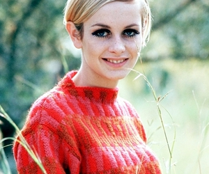 twiggy, 60s, and fashion image
