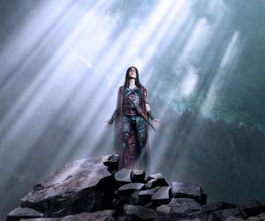 marie avgeropoulos, octavia, and the 100 image