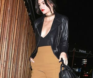 style, outfit fashion, and kendall jenner image