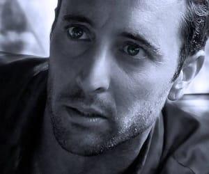 actor, hawaii 5 o, and alex o'loughlin image