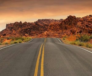 atardecer, belleza, and carretera image