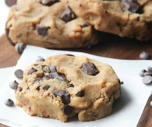 bake, chocolate, and chocolate chip image