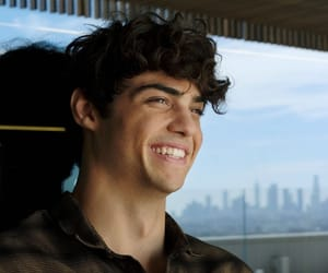 noah centineo and boy image