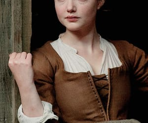 maria, holliday grainger, and pretty image