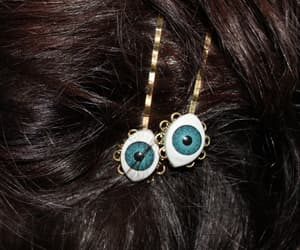 hair, eyes, and accessories image