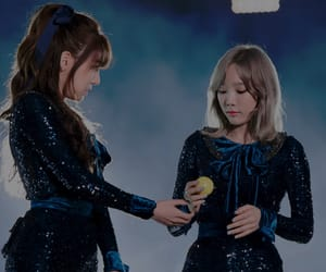 couple, taeyeon, and snsd image
