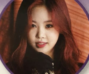 jeon soyeon, gidle, and yeh shuhua image