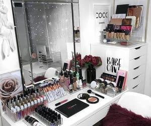 make up and room image