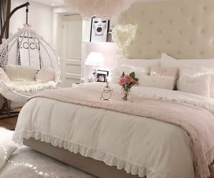 bedroom decor and interior image