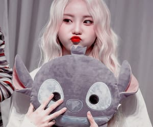 jinsoul, loona, and girl image