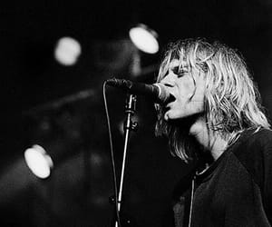 beautiful, cantante, and cobain image