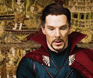 gif, benedict cumberbatch, and stephen strange image