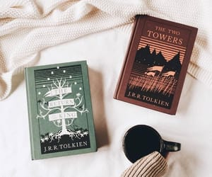 books and hobbit image