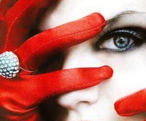 blue eye red glove and big ring red glove image