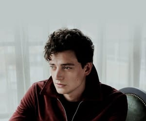 aneurin barnard, lockscreen, and thewhitequeen image