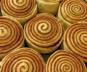 comida, dulce, and rollitos image