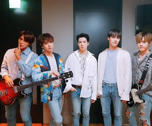 n.flying and nflying image