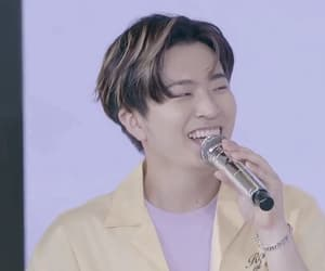 gif, youngjae, and got7 image