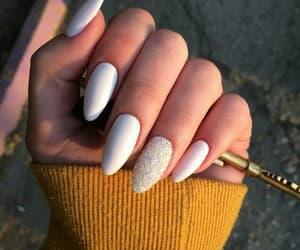 nail and маникюр image