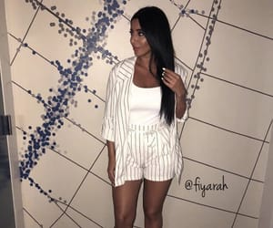 fashion style, outfit clothes, and brune brunette image