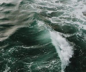 theme and sea image