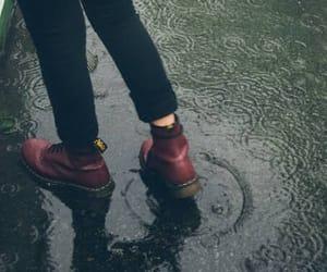 rain and llúvia image