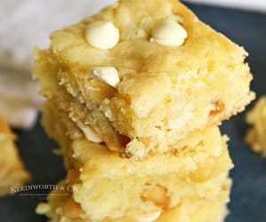 blondies, white chocolate, and macadamia image