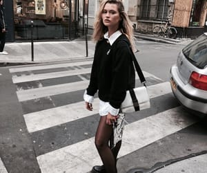 fashion, france, and girls image