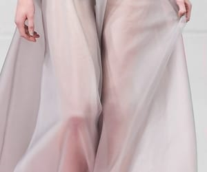 Alexis Mabille, nyfw, and catwalk image
