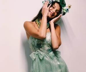 Anna Sui, nyfw, and backstage image