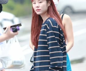 no makeup, cute, and wheein image