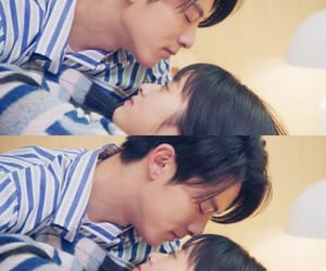 couple, kiss, and meteor garden image