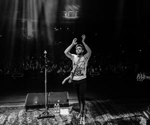 niall horan, flicker world tour, and holmdel nj image
