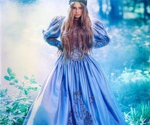 princesa, cuento, and bosque image