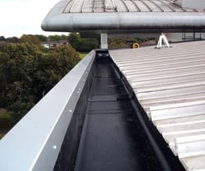 gutter cleaning london image
