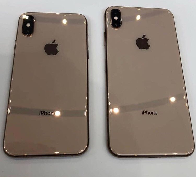 Iphone Xs Max Gold Uploaded By Sihamdarr On We Heart It