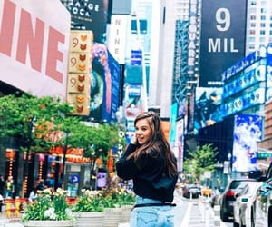 hailee steinfeld, fashion, and travel image