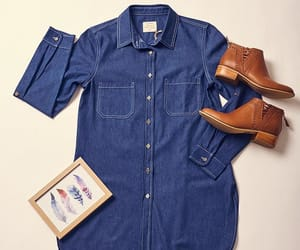 boots, brown, and blusa de jean image